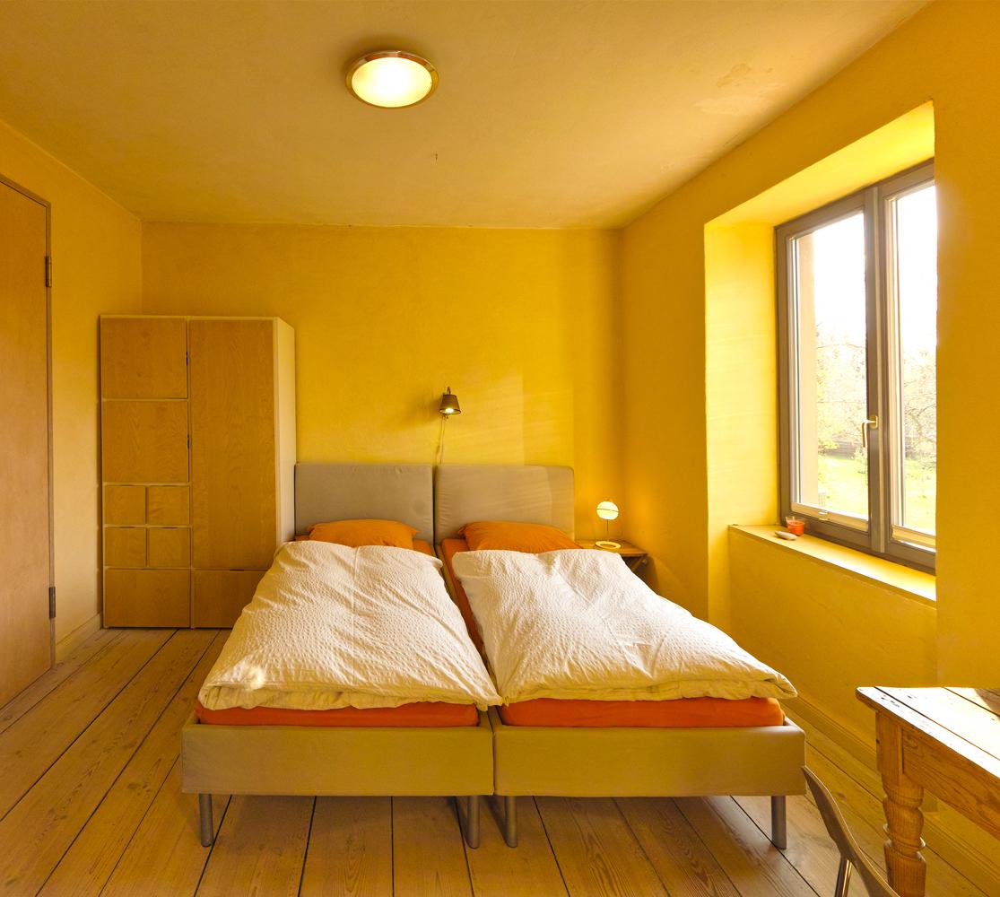 doppelzimmer ferienwohnungen in potsdam zimmer mit ausblick. Black Bedroom Furniture Sets. Home Design Ideas