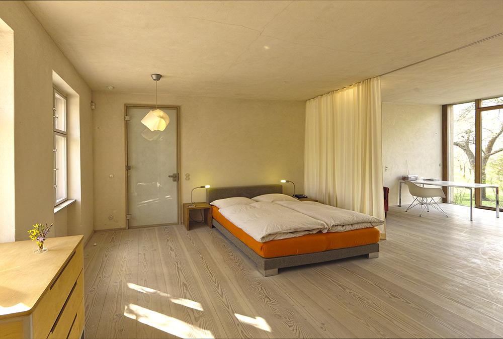 gro es gartenapartment ferienwohung in potsdam klein glienicke bei berlin. Black Bedroom Furniture Sets. Home Design Ideas