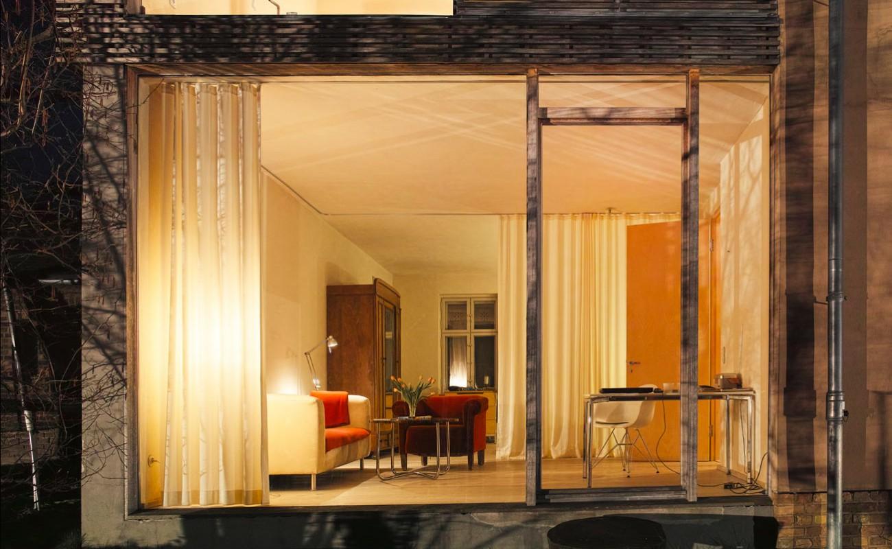 willkommen ferienwohnungen in potsdam zimmer mit ausblick. Black Bedroom Furniture Sets. Home Design Ideas